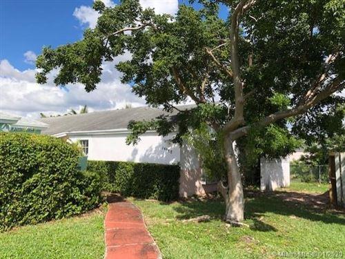 Photo of 14965 SW 74th Ter, Miami, FL 33193 (MLS # A10769614)