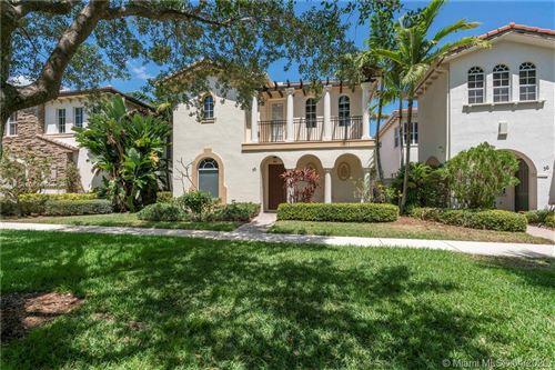 Photo of 32 Stoney Dr, Palm Beach Gardens, FL 33410 (MLS # A10844614)
