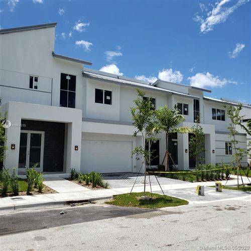 Photo of Listing MLS a10861615 in 1114 NE 14th Ave #C Fort Lauderdale FL 33304
