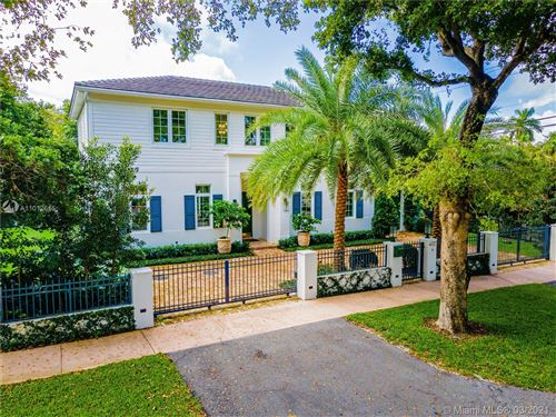 Photo of 402 Vittorio Ave, Coral Gables, FL 33146 (MLS # A11012615)