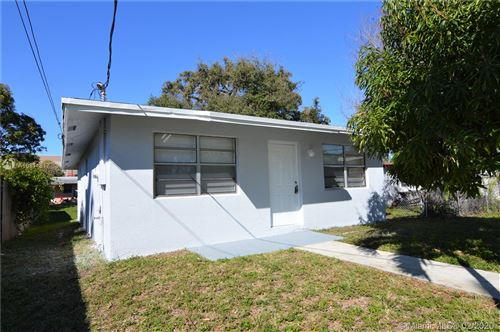 Photo of Listing MLS a10811617 in 110 Phippen Waiters Rd Dania Beach FL 33004