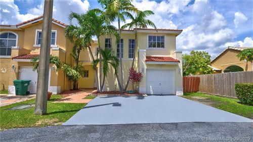 Foto de inmueble con direccion 8658 SW 159th Pl Miami FL 33193 con MLS A10919617
