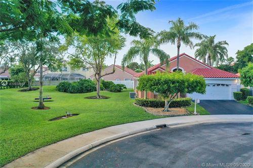 Photo of 282 Bridgeton Rd, Weston, FL 33326 (MLS # A10934617)