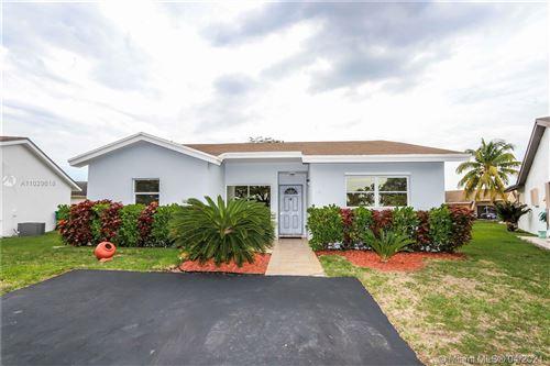 Photo of 4211 SW 138th Pl, Miami, FL 33175 (MLS # A11029618)