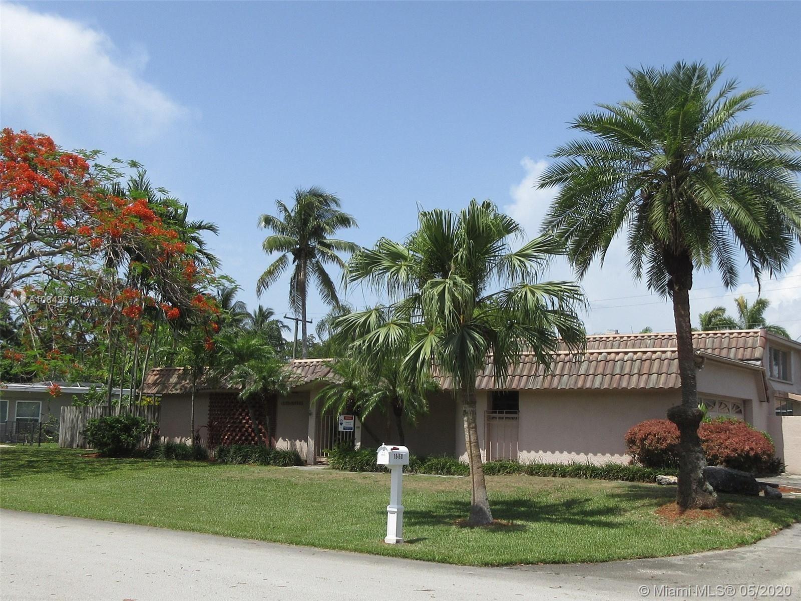 18460 SW 83rd Ct, Cutler Bay, FL 33157 - #: A10842618