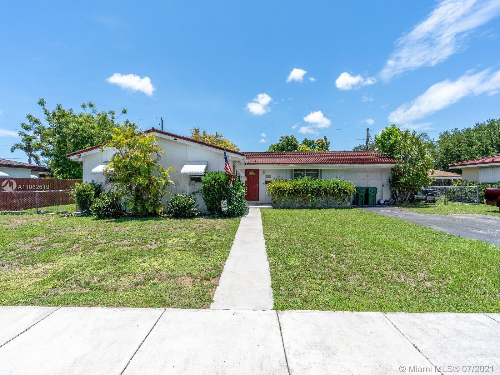 324 NW 19th St, Homestead, FL 33030 - #: A11062619