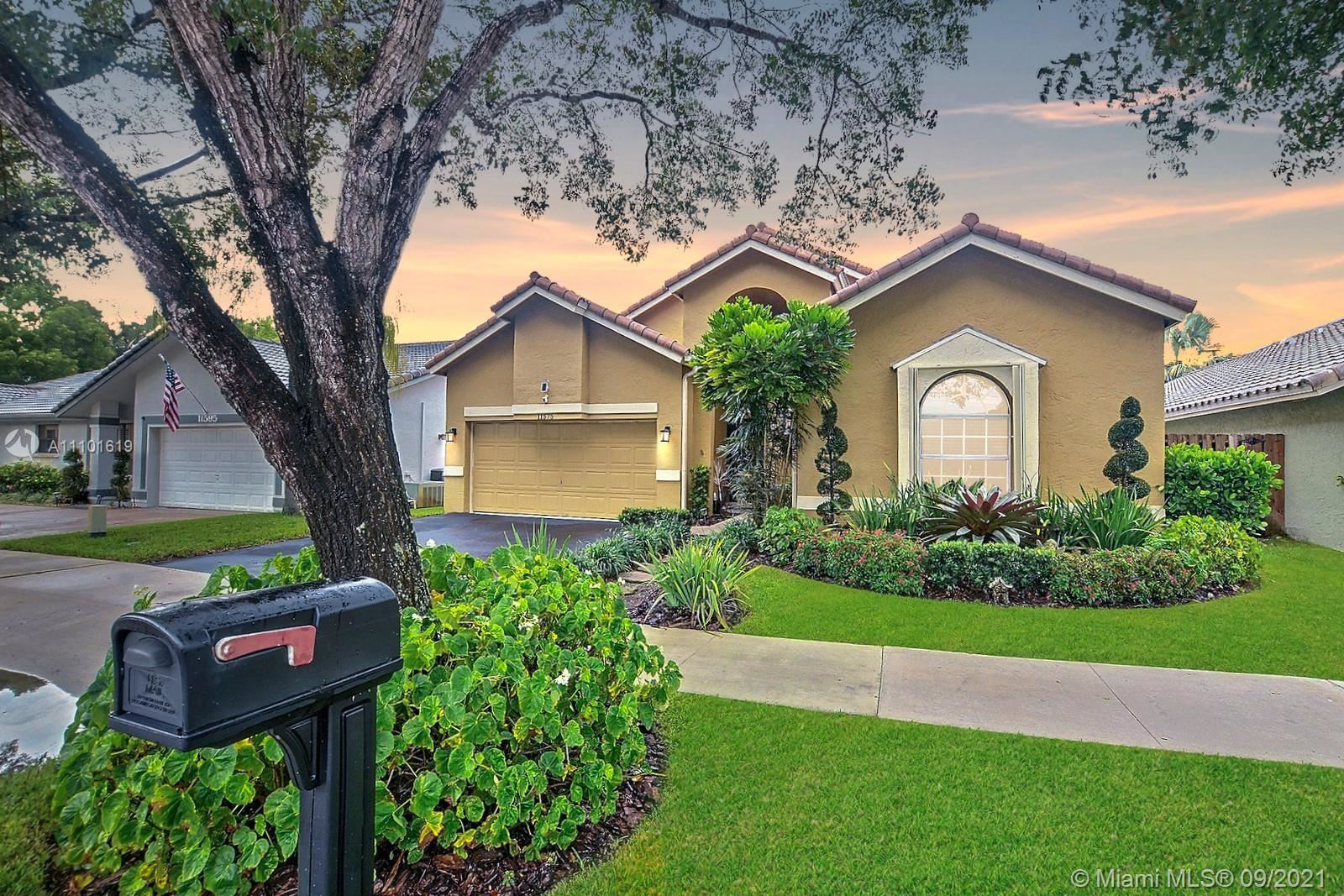 Photo of 11575 S Quayside Dr, Cooper City, FL 33026 (MLS # A11101619)