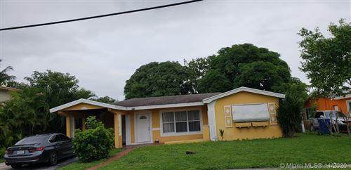 Foto de inmueble con direccion 3510 NW 33rd Ave Lauderdale Lakes FL 33309 con MLS A10946622