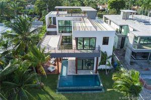 Foto de inmueble con direccion 5191 Pine Tree Drive Miami Beach FL 33140 con MLS A10297623
