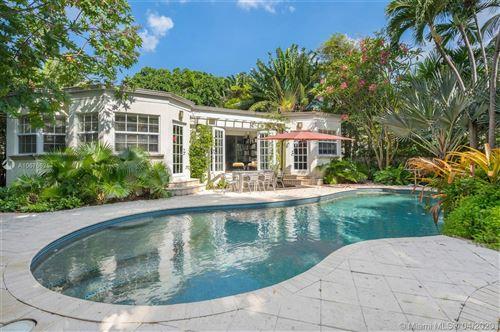 Foto de inmueble con direccion 5410 La Gorce Dr Miami Beach FL 33140 con MLS A10676625