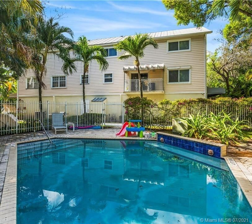 Photo of 452 SW 5th Ave #5, Fort Lauderdale, FL 33315 (MLS # A11073625)