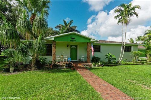 Foto de inmueble con direccion 18600 SW 204th St Miami FL 33187 con MLS A10883626