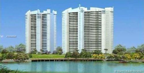Foto de inmueble con direccion 14951 Royal Oaks Ln #205 North Miami FL 33181 con MLS A10898626