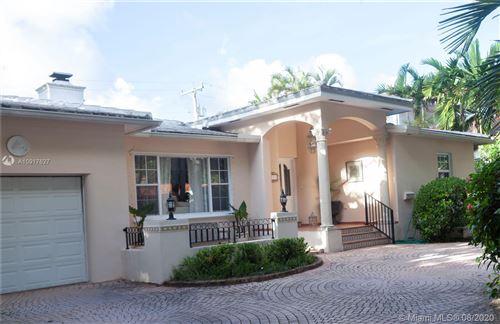 Foto de inmueble con direccion 751 Malaga Ave Coral Gables FL 33134 con MLS A10917627