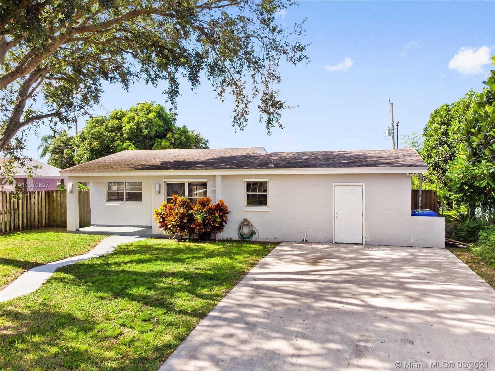 6860 Greene St, Hollywood, FL 33024 - #: A11070627