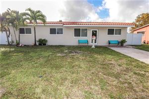 Photo of Listing MLS a10593629 in 2910 SW 102nd Ave Miami FL 33165