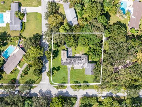 Photo of 8045 SW 128th St, Pinecrest, FL 33156 (MLS # A11104629)