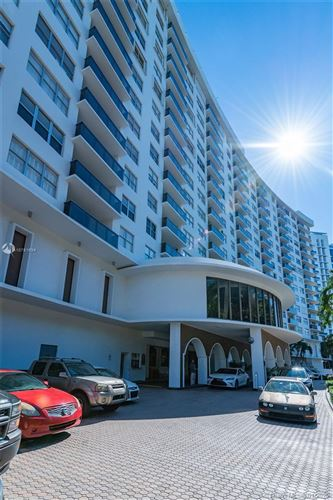 Foto de inmueble con direccion 6039 Collins Ave #636 Miami Beach FL 33140 con MLS A10781634