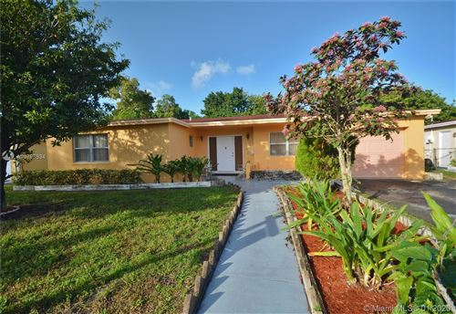 Photo of Listing MLS a10798634 in 4301 NW 38th Ave Lauderdale Lakes FL 33309
