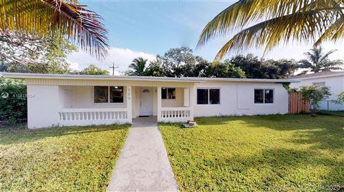 Photo of 505 NE 140th St, North Miami, FL 33161 (MLS # A10818634)