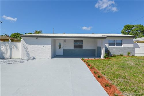 Photo of 2873 SW 10th St, Fort Lauderdale, FL 33312 (MLS # A10839634)