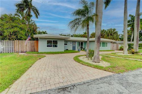 Photo of 1321 SE 4th Ct, Deerfield Beach, FL 33441 (MLS # A10946635)