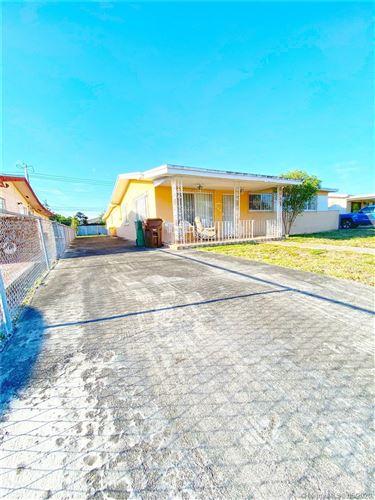 Foto de inmueble con direccion 241 E 62nd St Hialeah FL 33013 con MLS A10856636