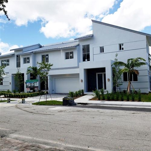 Photo of Listing MLS a10861636 in 1122 NE 14th Ave #D Fort Lauderdale FL 33304