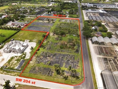 Foto de inmueble con direccion 194XX SW 204th st Miami FL 33187 con MLS A10866637