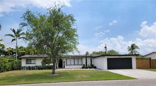 Photo of 9240 SW 166th St, Palmetto Bay, FL 33157 (MLS # A11063637)