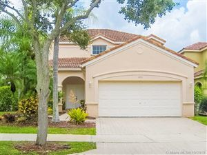 Photo of Listing MLS a10717640 in 846 Tanglewood Cir Weston FL 33327