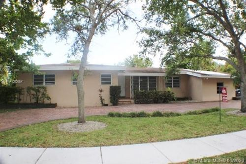 Photo of Listing MLS a10806641 in 7340 SW 96th St Pinecrest FL 33156