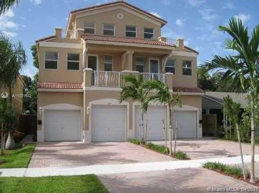 Photo of 215 SW 11th St #215, Fort Lauderdale, FL 33315 (MLS # A11031642)