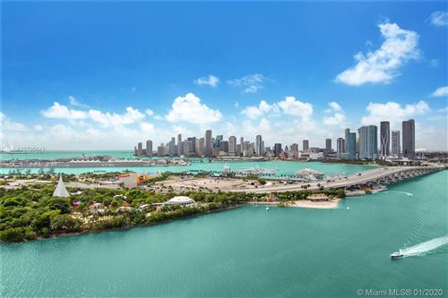 Foto de inmueble con direccion 1000 Venetian Way #PH 2102 Miami Beach FL 33139 con MLS A10795643