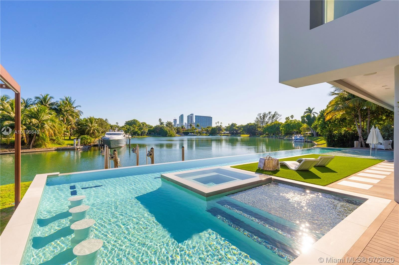 Photo 2 of Listing MLS a10796643 in 4731 Lake Rd Miami FL 33137