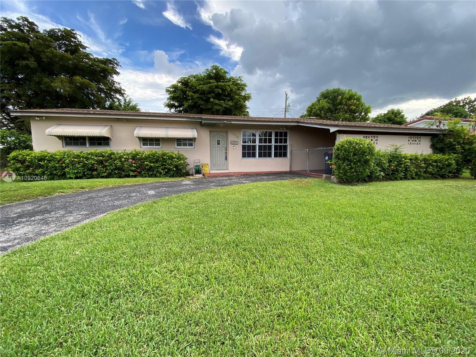 10320 SW 50th Ter, Miami, FL 33165 - #: A10920646