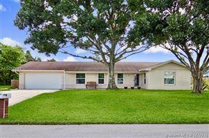 Photo of 10902 Larch Ct, Palm Beach Gardens, FL 33418 (MLS # A10484647)