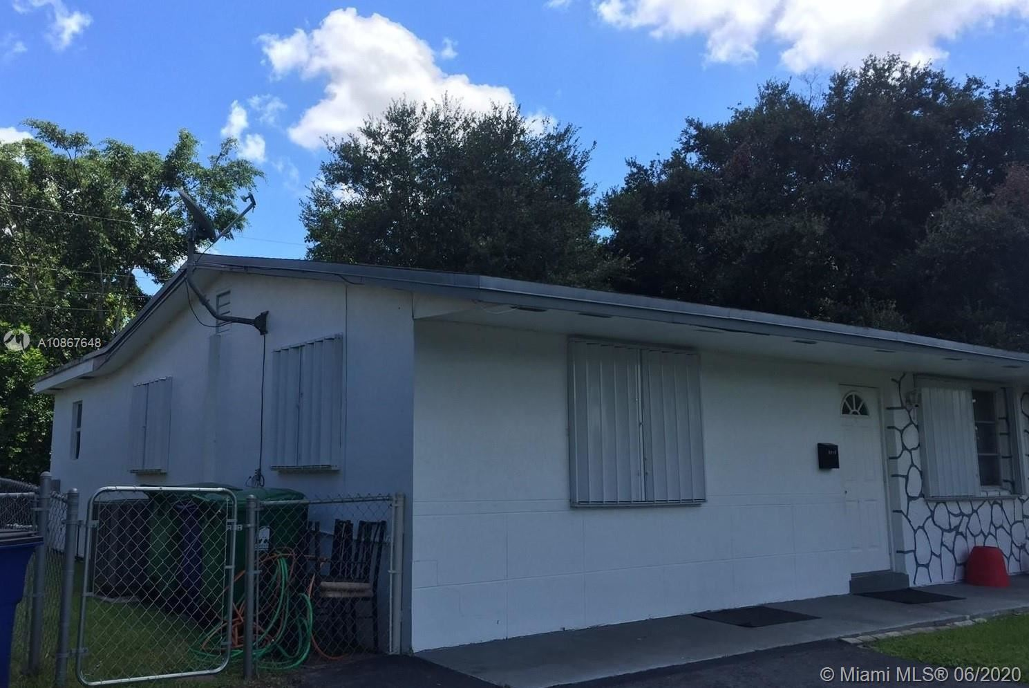 Photo of 4970 SW 92nd Ter #4970, Cooper City, FL 33328 (MLS # A10867648)