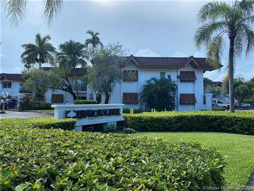 Photo of 9392 SW 77th Ave #E6, Miami, FL 33156 (MLS # A10903649)