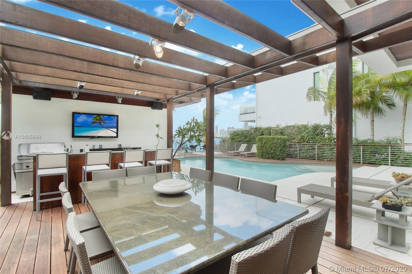 Photo 21 of Listing MLS a10605649 in 1376 S Venetian Way Miami FL 33139