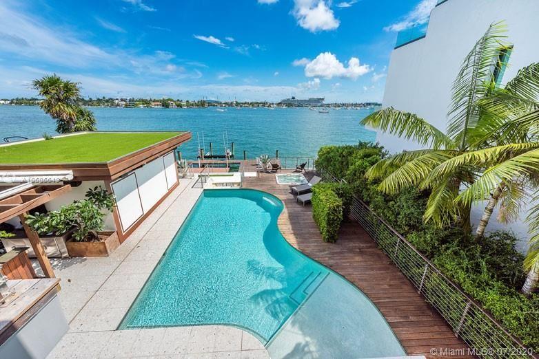 Photo 25 of Listing MLS a10605649 in 1376 S Venetian Way Miami FL 33139
