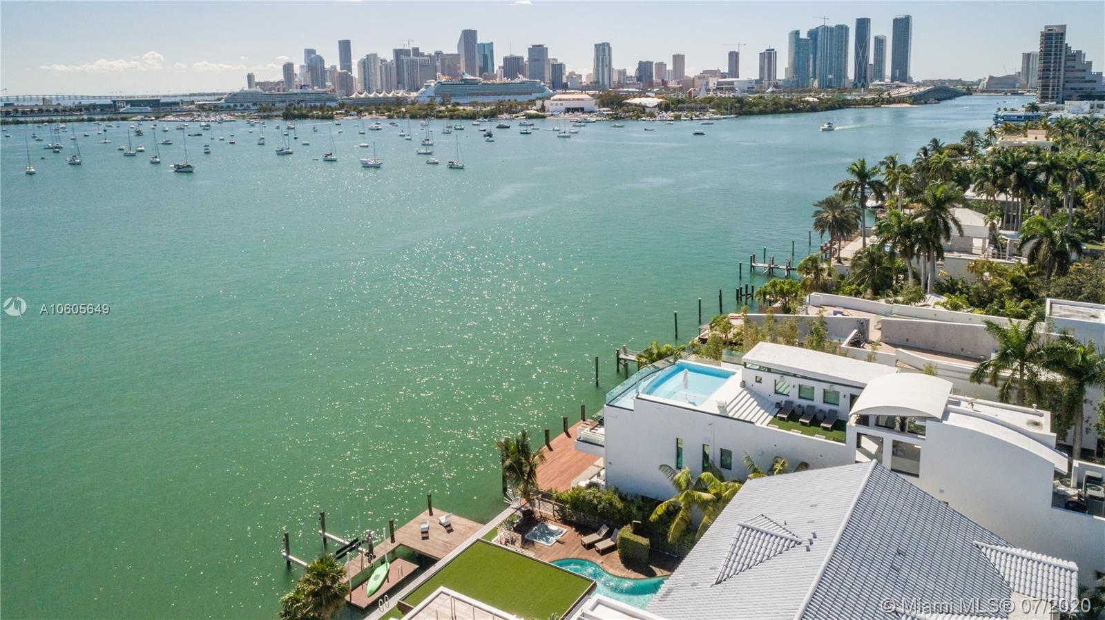 Photo 26 of Listing MLS a10605649 in 1376 S Venetian Way Miami FL 33139