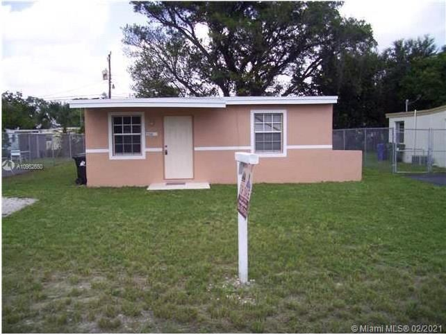 2349 NW 13th Ct, Fort Lauderdale, FL 33311 - #: A10952650