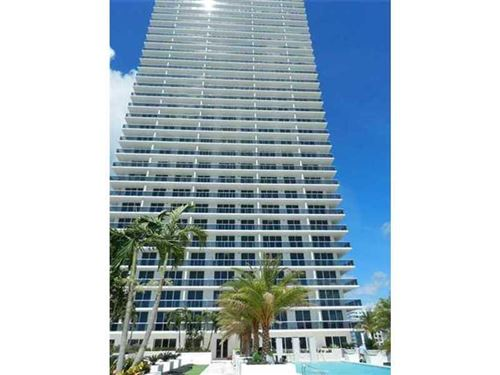 Photo of 600 NE 27 ST #2304, Miami, FL 33137 (MLS # A2144651)