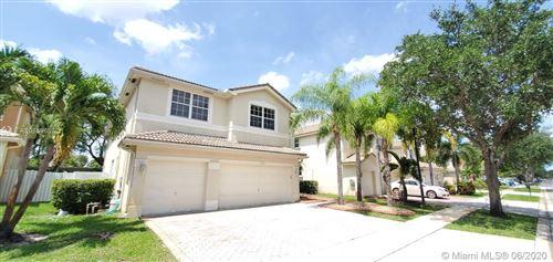 Foto de inmueble con direccion 15561 SW 18th St Miramar FL 33027 con MLS A10859652