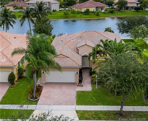 Photo of Listing MLS a10889652 in 1052 NW 139th Ter Pembroke Pines FL 33028