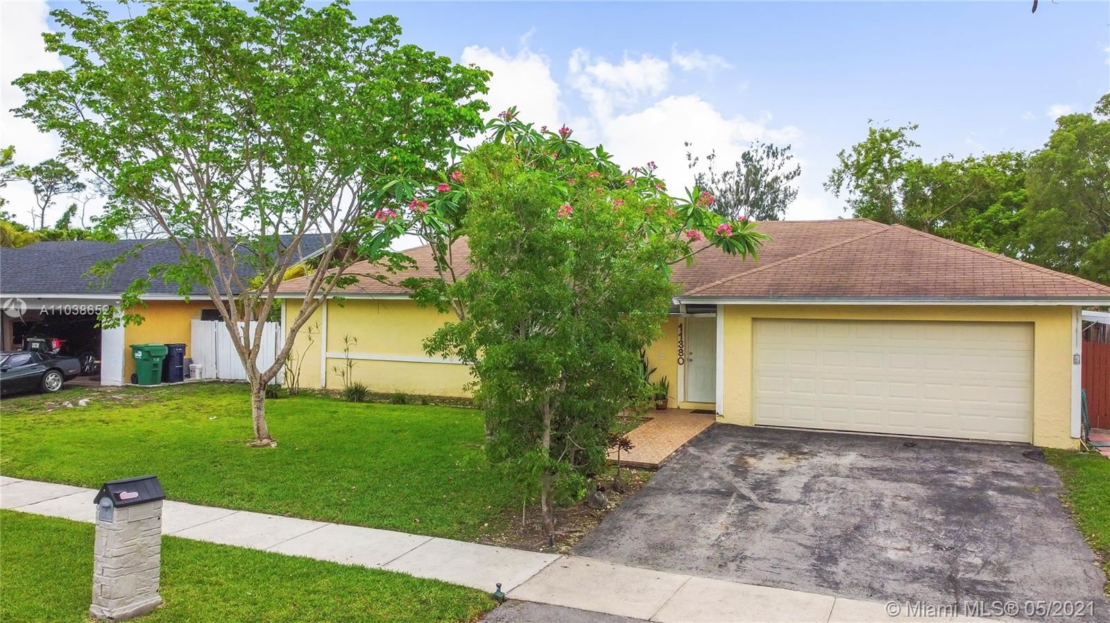 Photo of 11380 SW 118th St, Miami, FL 33176 (MLS # A11038652)