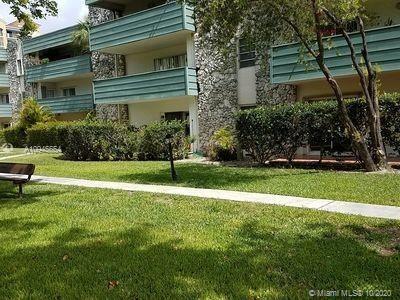 Foto de inmueble con direccion 8335 SW 72nd Ave #108D Miami FL 33143 con MLS A10945654