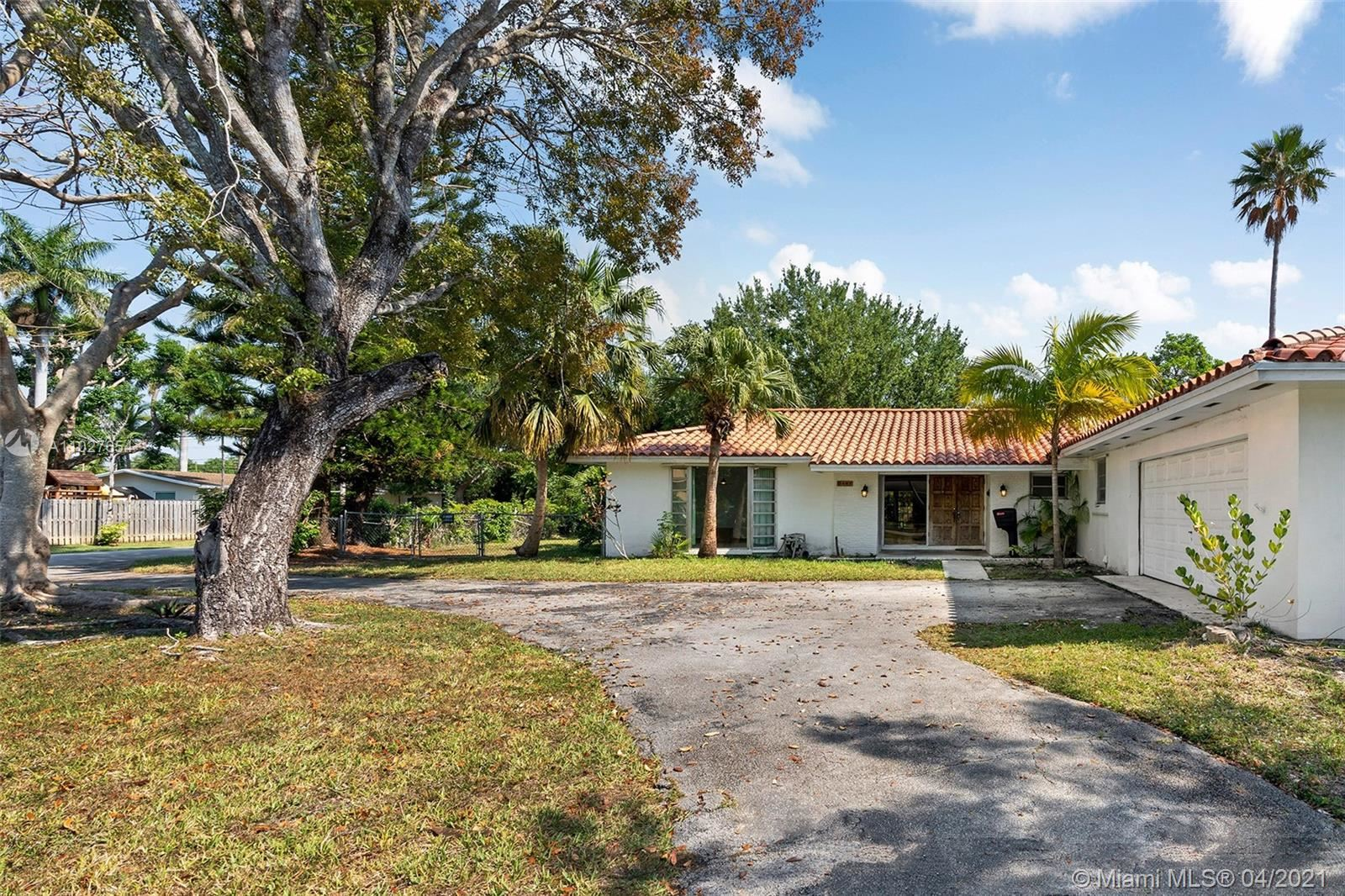 8445 SW 158th St, Palmetto Bay, FL 33157 - #: A11027654