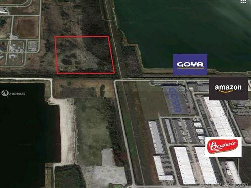 Foto de inmueble con direccion 137th Ave & NW 25th St Doral FL 33182 con MLS A10919655